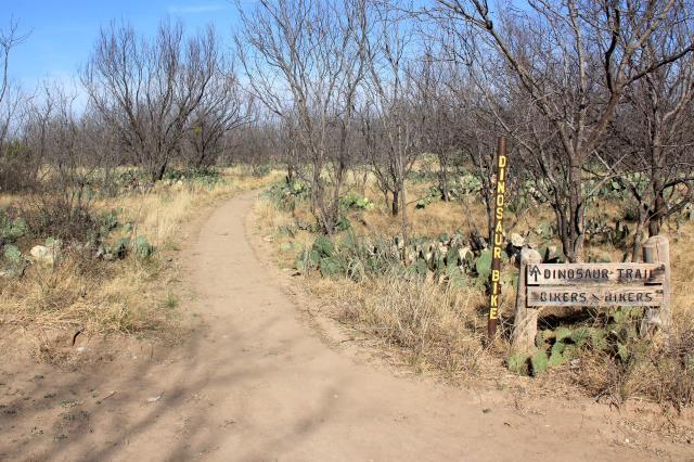 North Shore   Beginning of Dinosaur Trail