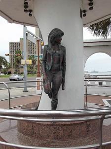 Selina Statue