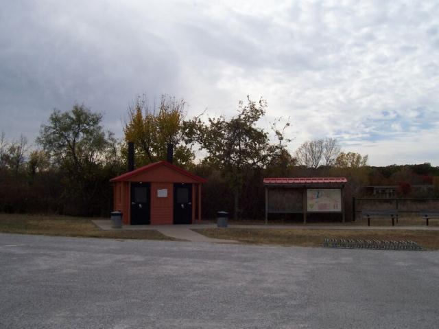 Facilities at trailhead