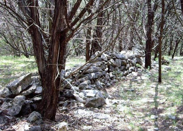 stone fences / walls